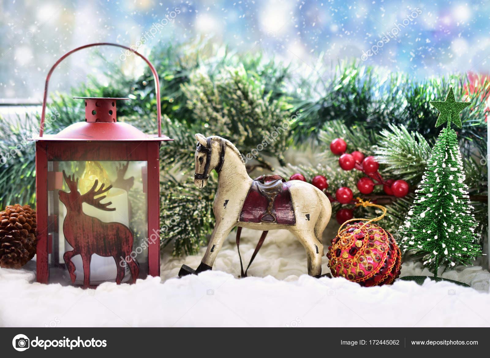 Weihnachten Fensterdekoration Mit Lehm Schaukelpferd Und Rote Lan