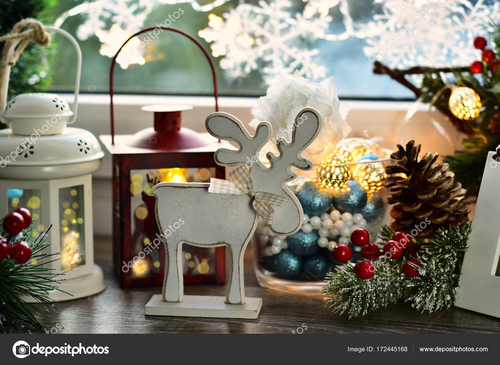 Christmas Window Decoration With Wooden Reindeer And Old Lantern Stock Photo Image By C Teresaterra 172445168