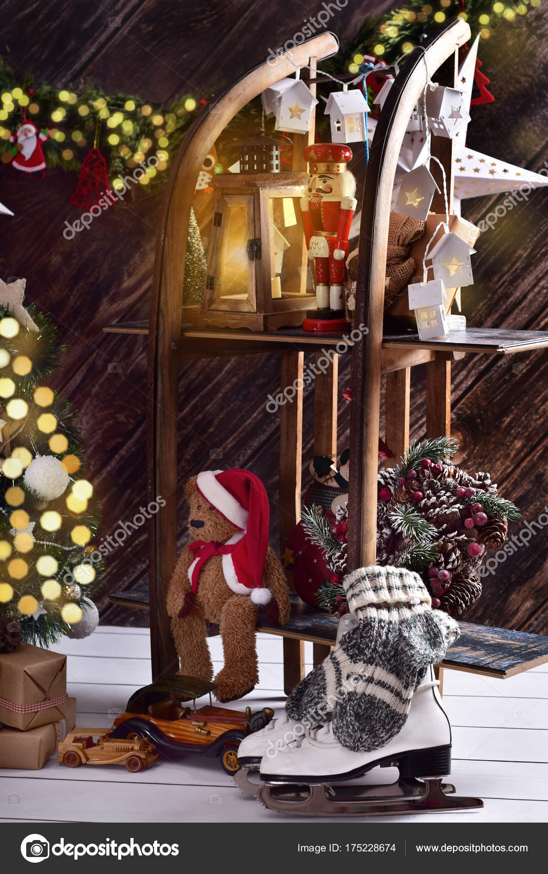 Decorate Old Wooden Sled Christmas Creative Christmas Decoration