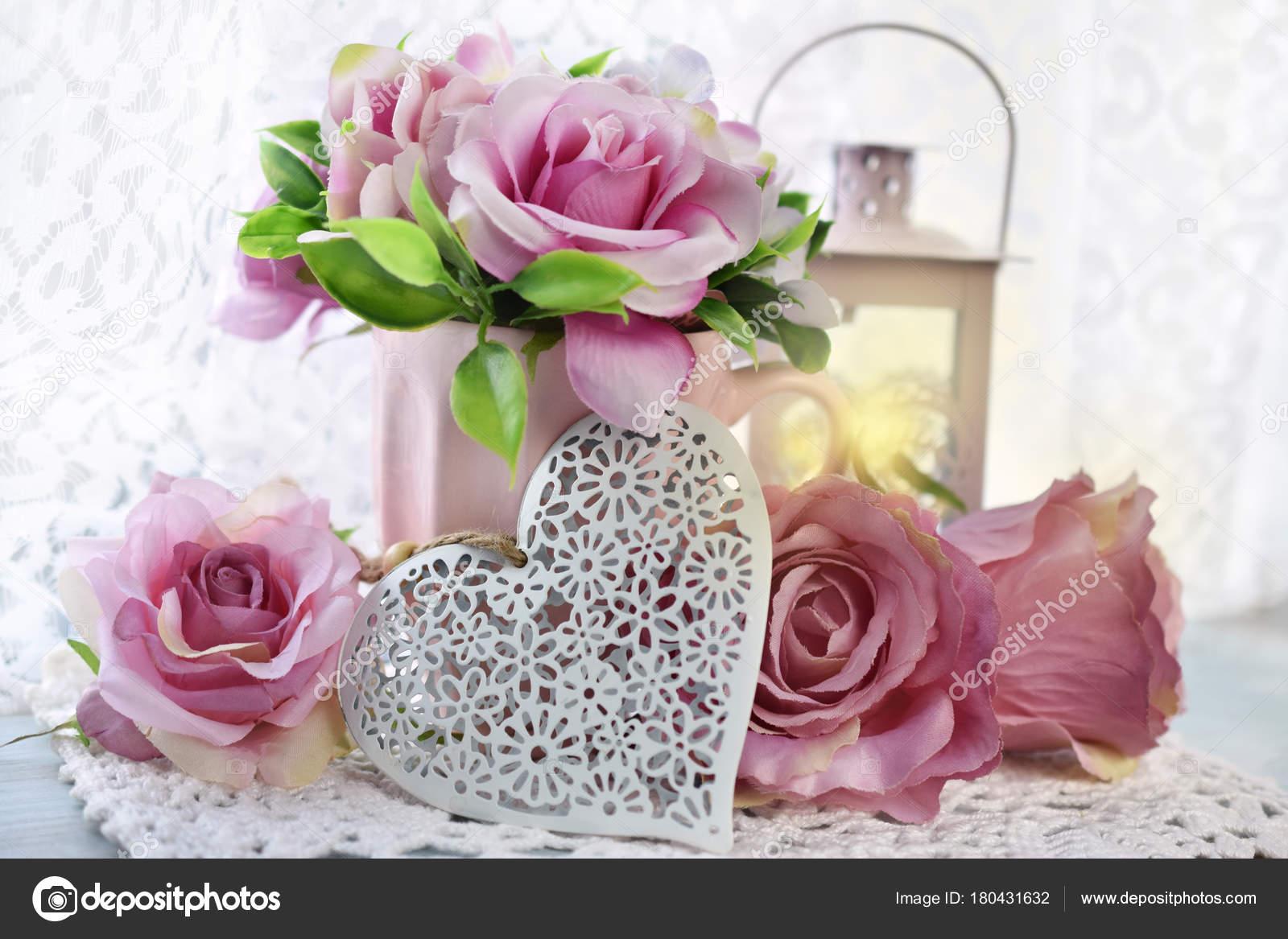 Romantische Dekoration Fur Hochzeit Oder Valentinstag Stockfoto