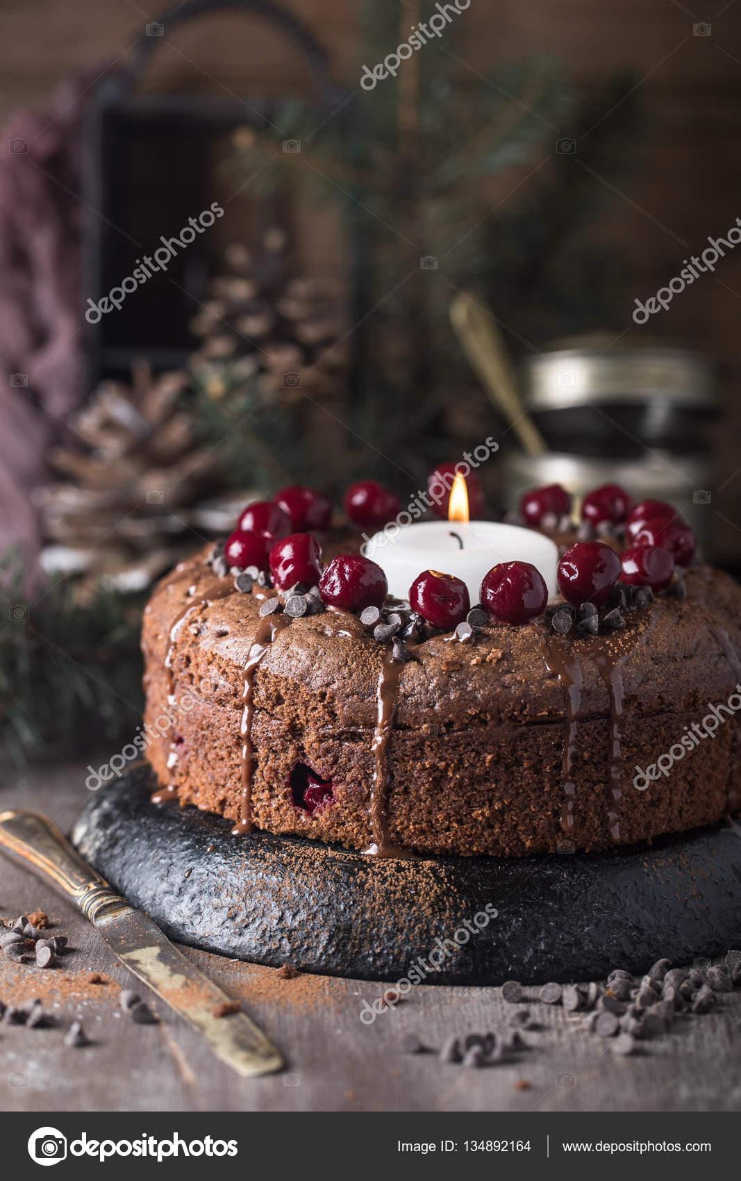 Schokolade Kirsch Kuchen Mit Kerze Stockfoto C Contrse 134892164