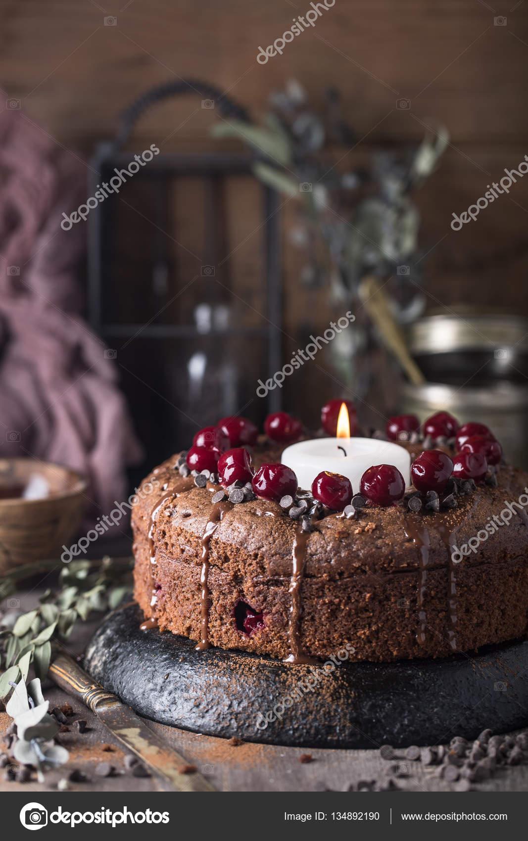 Schokolade Kirsch Kuchen Mit Kerze Stockfoto C Contrse 134892190