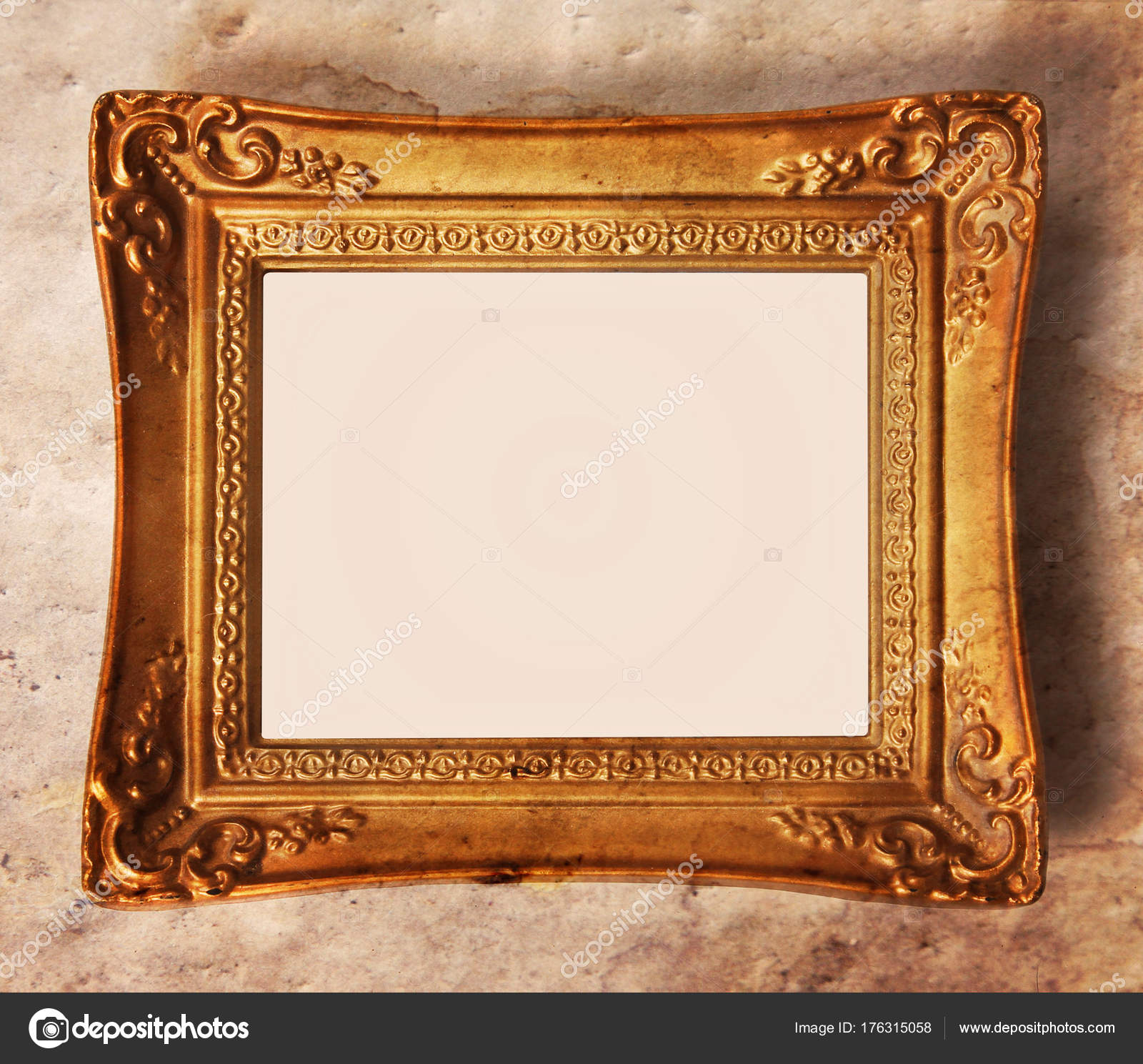 Vintage Bilderrahmen in Gold dekoriert — Stockfoto © graphicphoto ...
