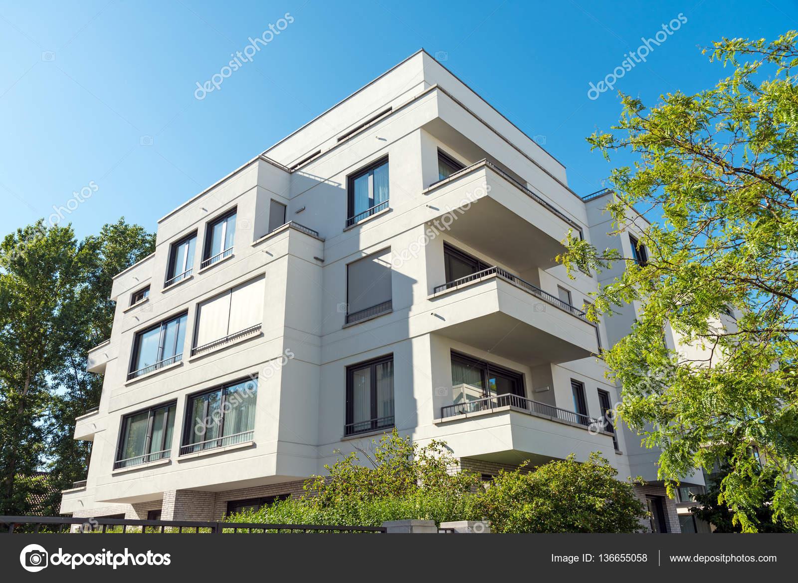 Maison de luxe moderne appartement à Berlin — Photographie ...