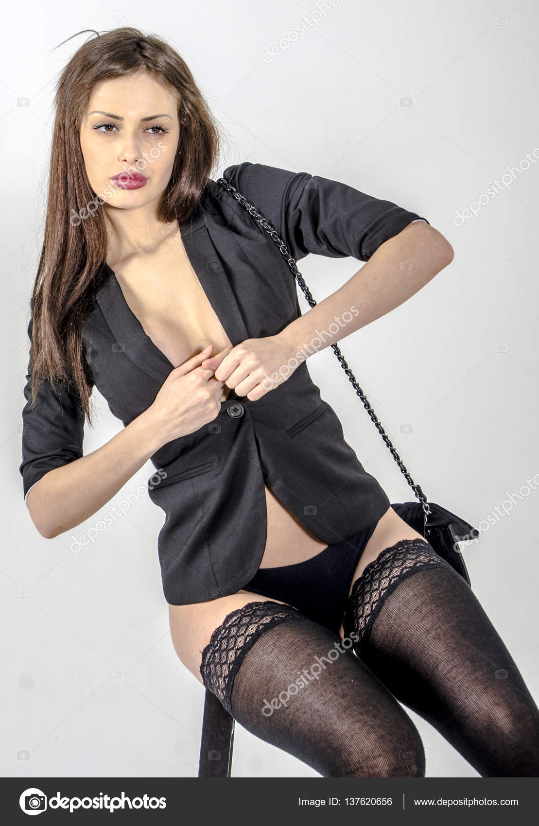 фото в обтяжку девушки