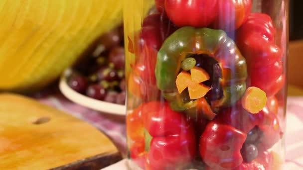 Uborka paprika töltött szőlő