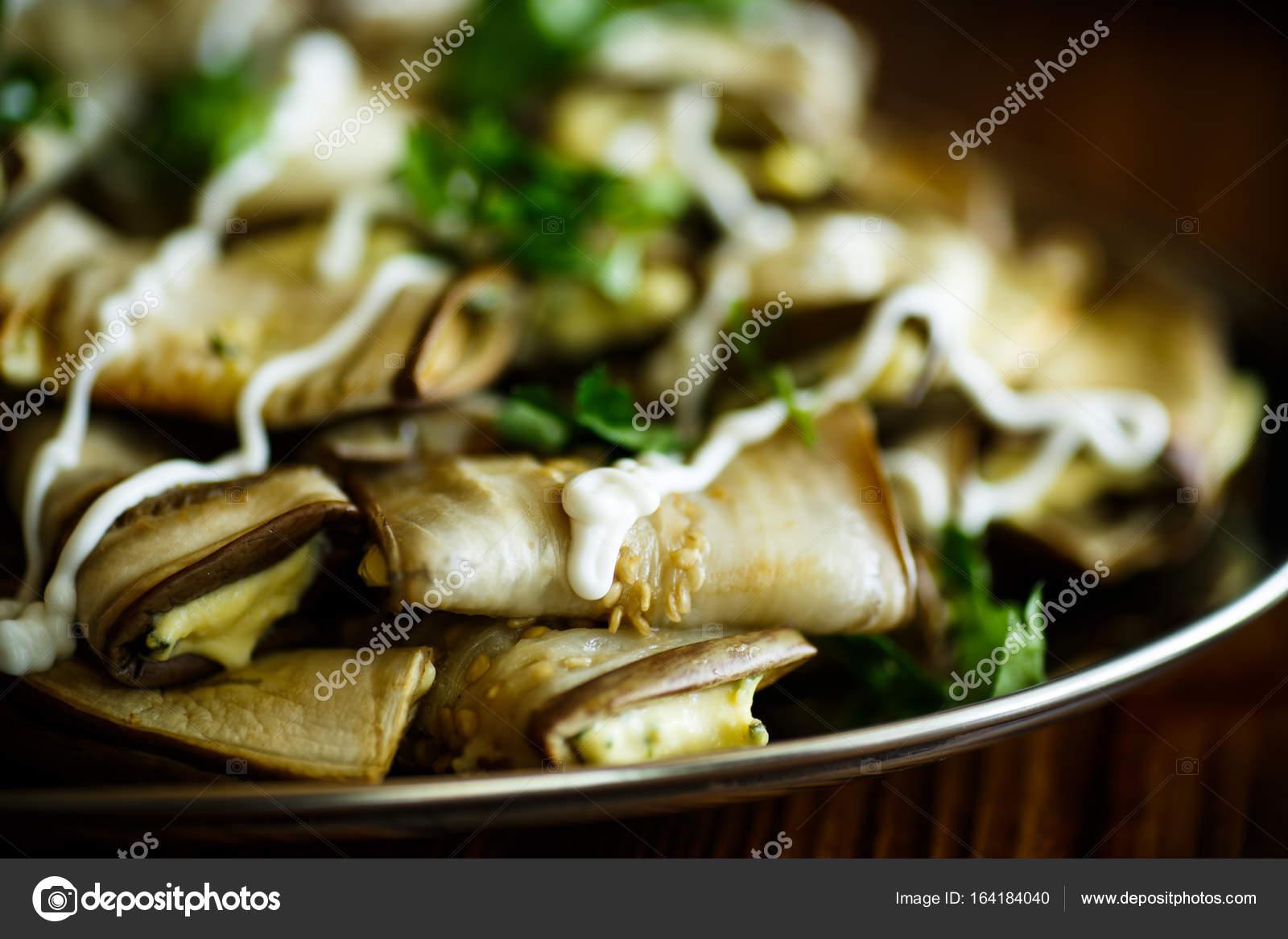 Peynirli Patlıcan Ruloları