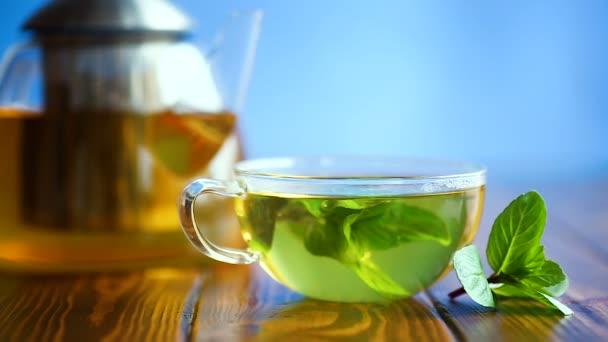 hot green tea with fresh mint