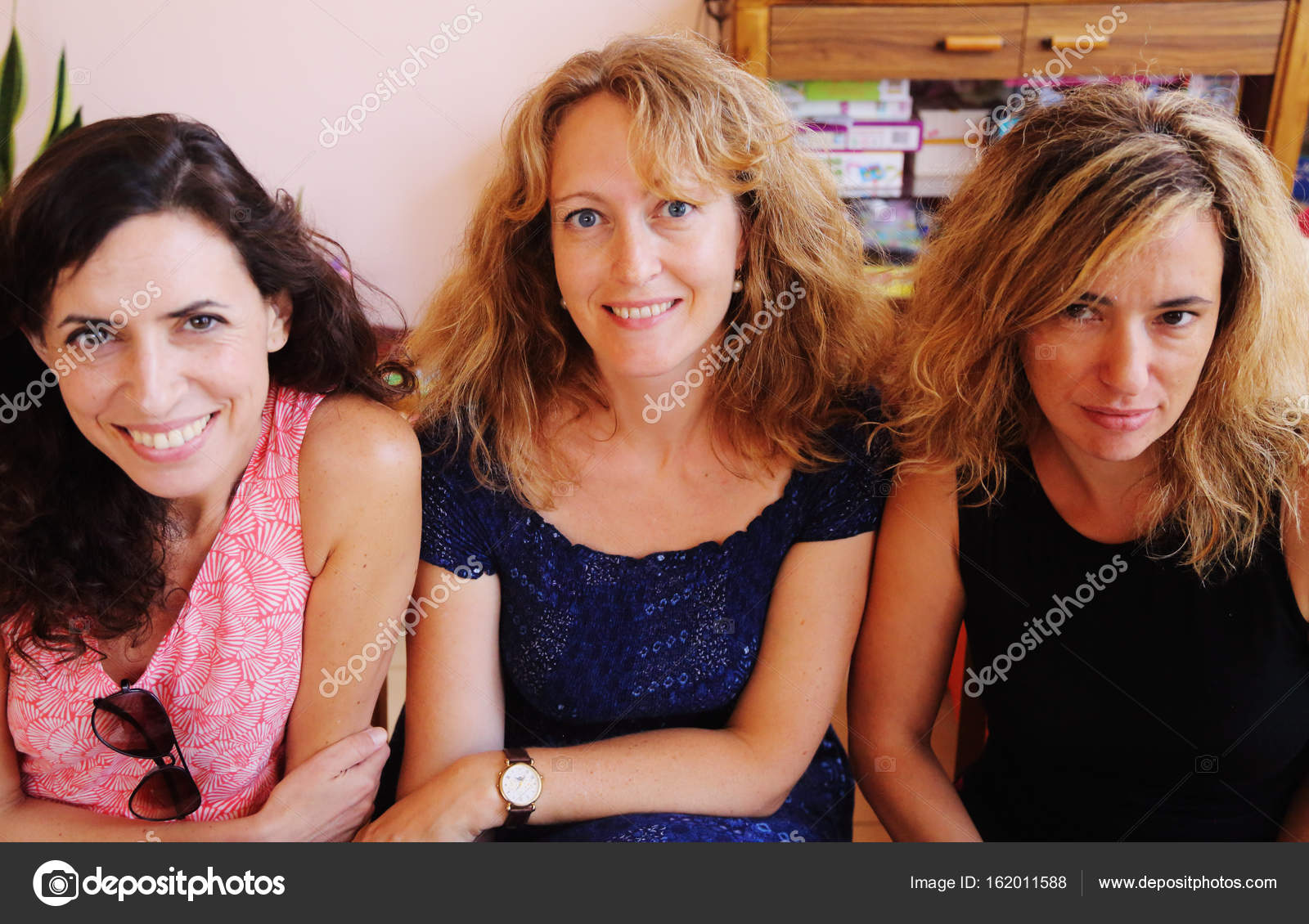 housewives Donna mature
