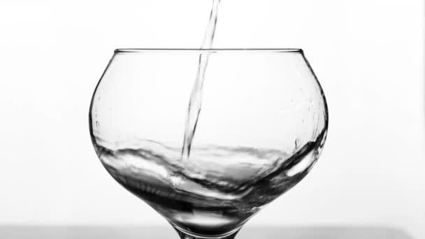 náplň sklenici s vodou