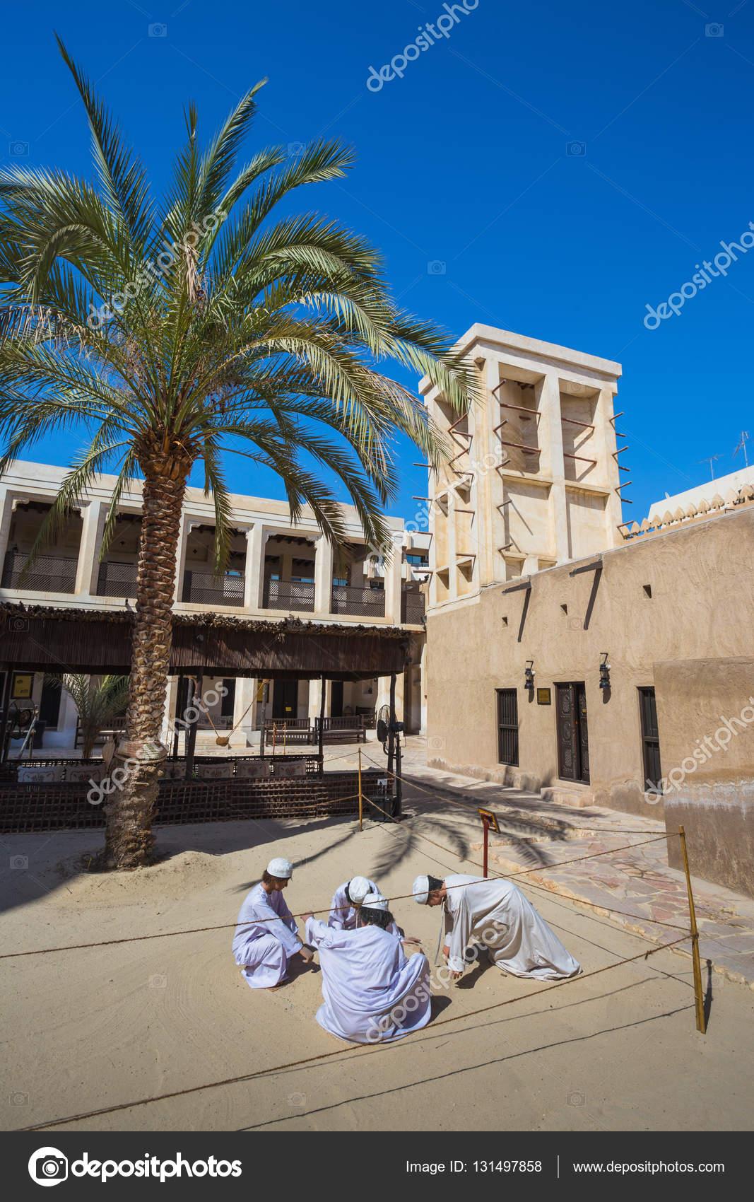 Dubaï émirats arabes unis le 9 novembre 2013 village du patrimoine cest le plus grand musée historique à dubaï image de alan64