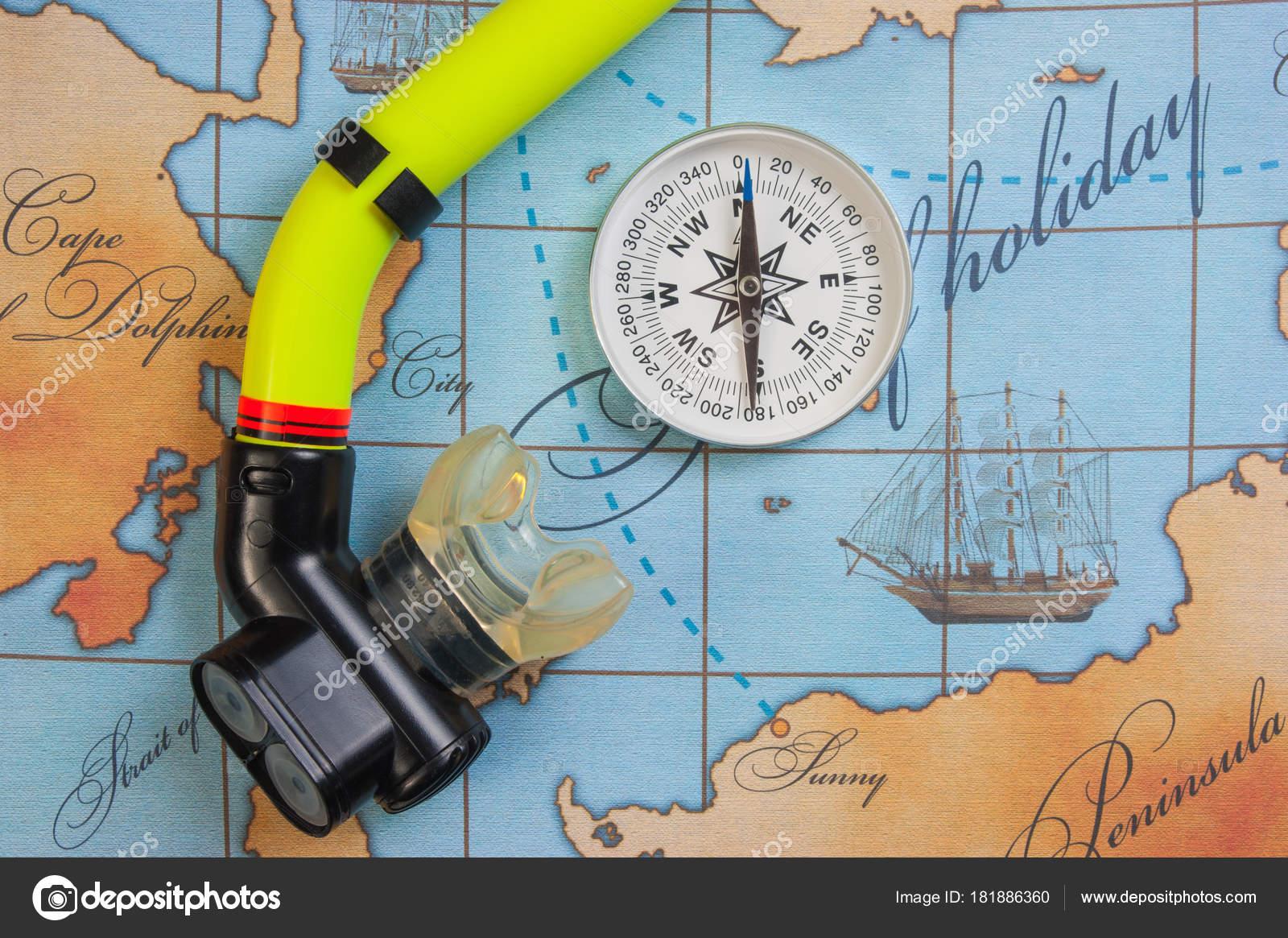 ea07fdec5 Natação Acessórios Itens Para Lazer Viajam Mapa Fundo — Fotografia de Stock