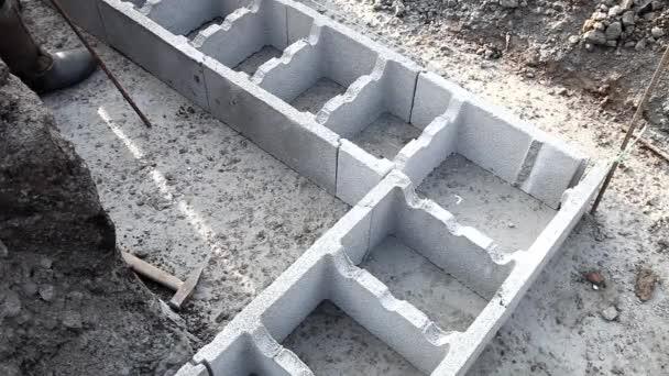 Nová technologie výstavby základny, počáteční fáze rodinného domu