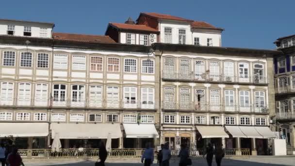 Guimarães Portugal Cerca Abril 2018 Arquitetura Toural Praça Centro  Histórico ... 73654d0d727f5