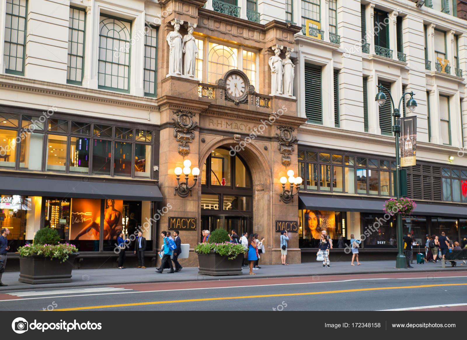 Macy\'s Herald Square NYC – Stock Editorial Photo © littleny #172348158