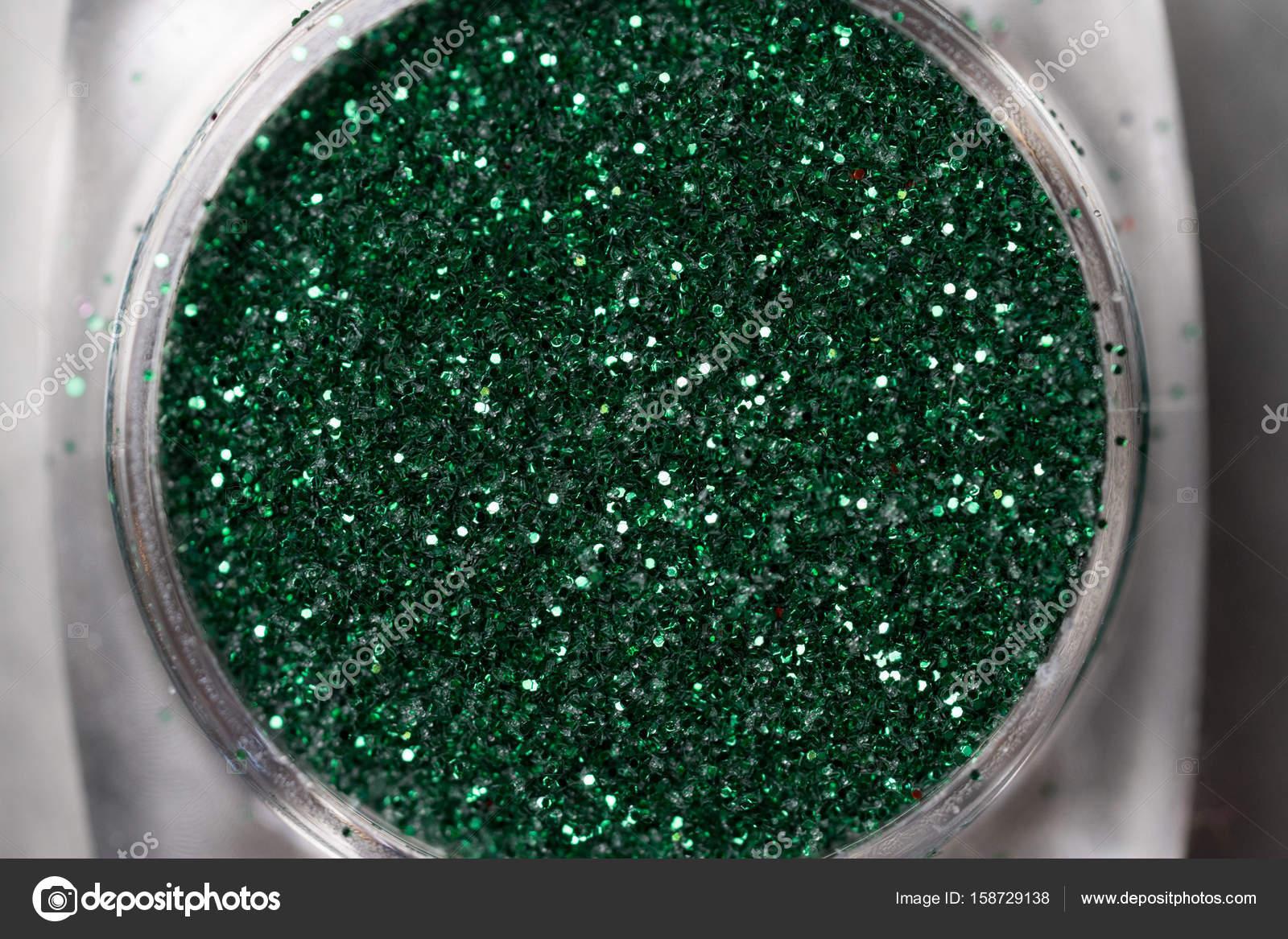 Brillo de uñas verde maquillaje — Fotos de Stock © nelka7812 #158729138