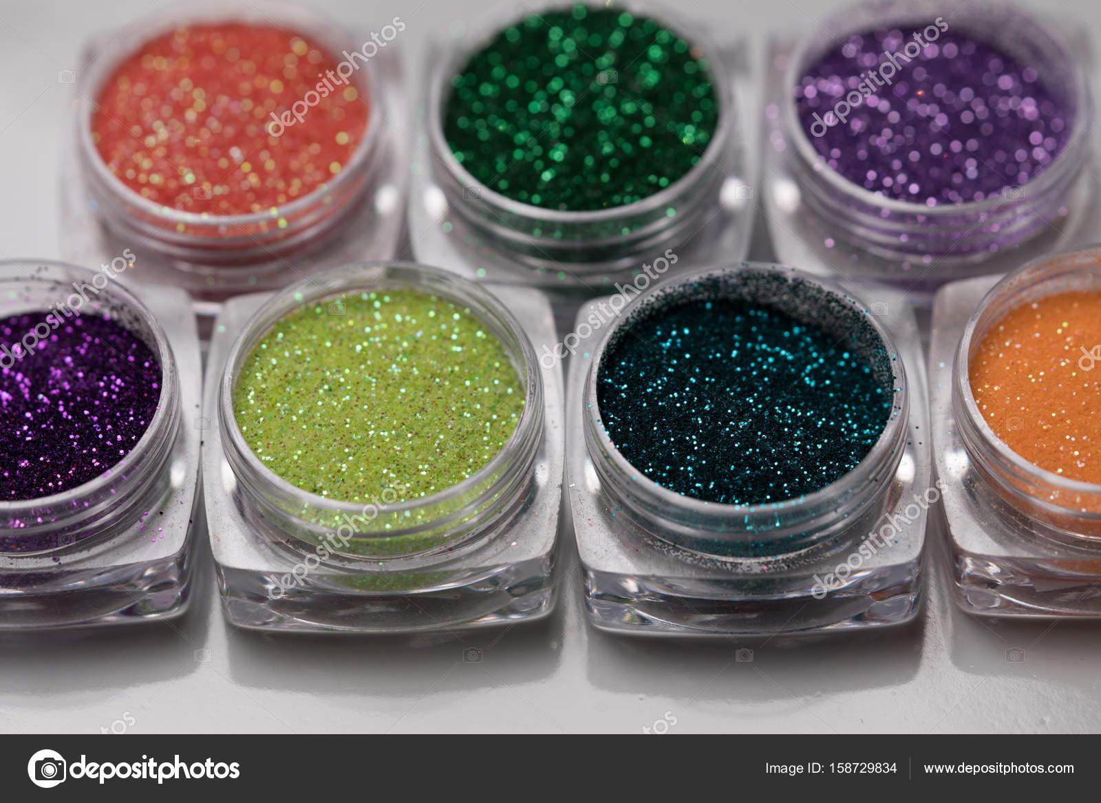 Set de glitter de colores uñas maquillaje — Fotos de Stock ...