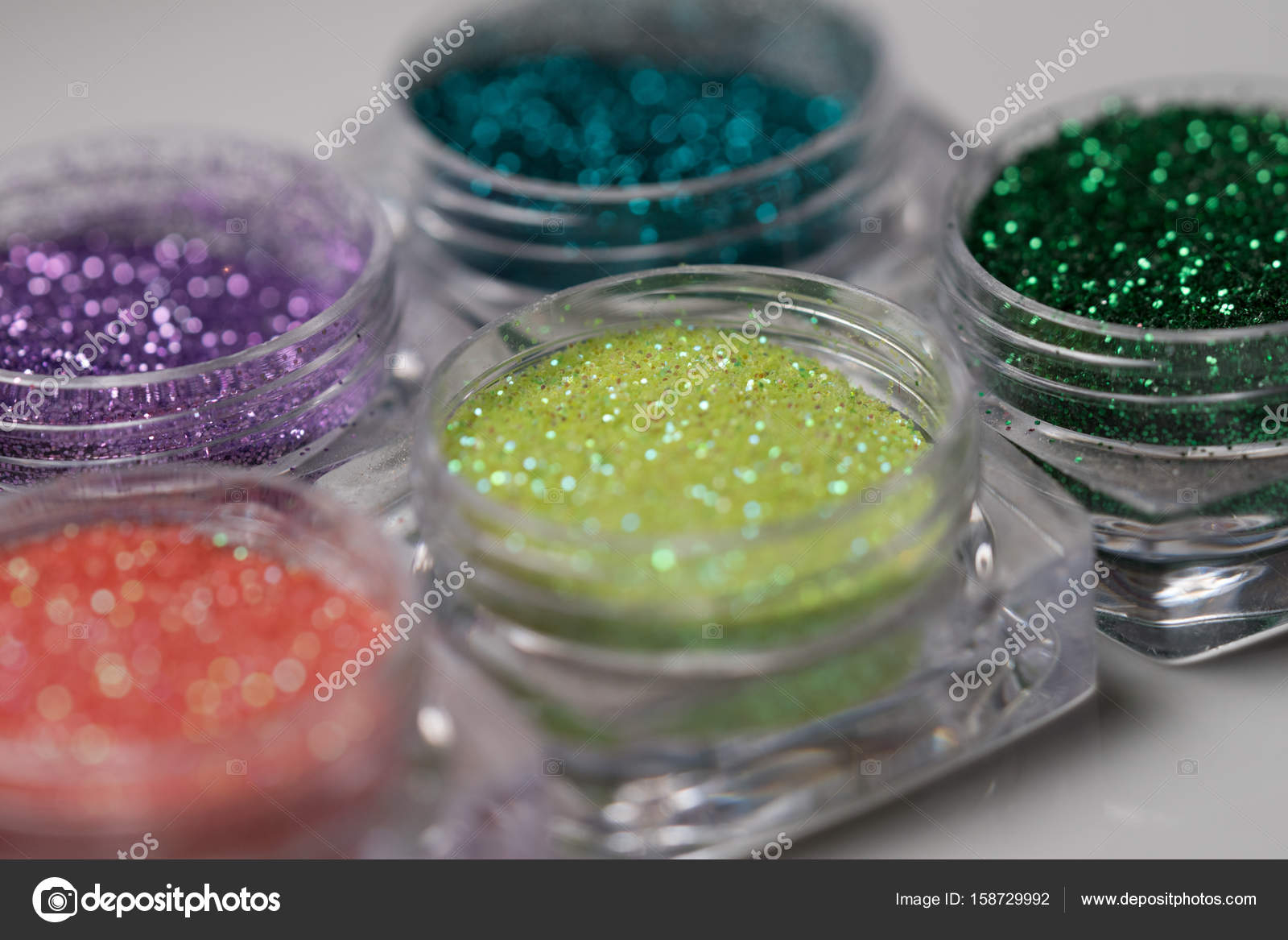 Set de glitter de colores uñas maquillaje — Fotos de Stock ...