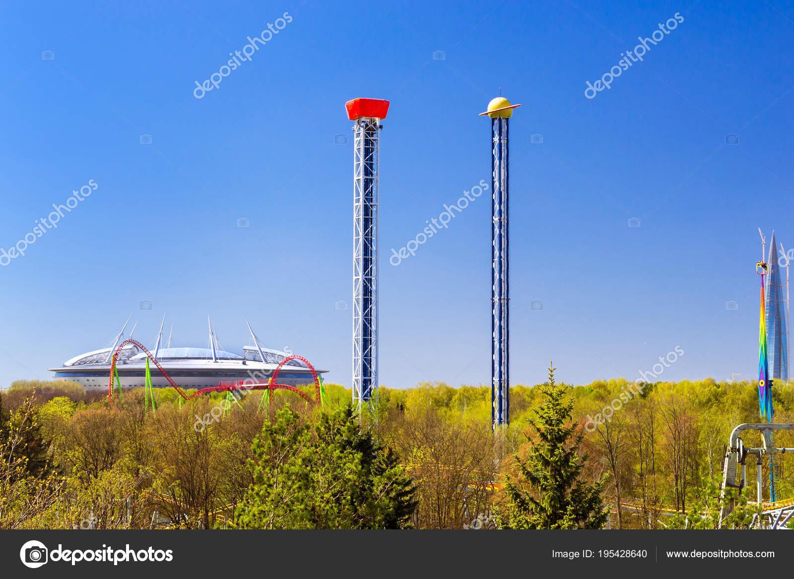 Rusyadaki en büyük dönme dolabın yüksekliği nedir