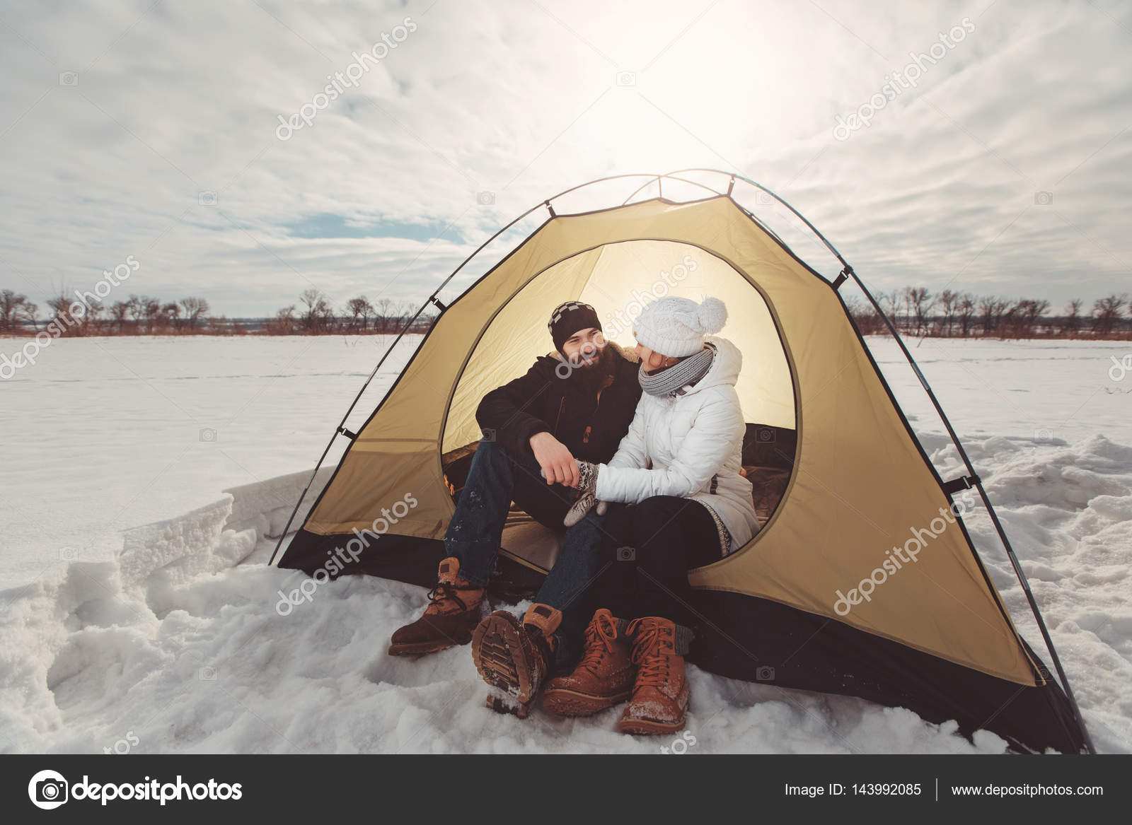 Young couple in tent hold hands at winter hike u2014 Stock Photo #143992085 & Young couple in tent hold hands at winter hike u2014 Stock Photo ...