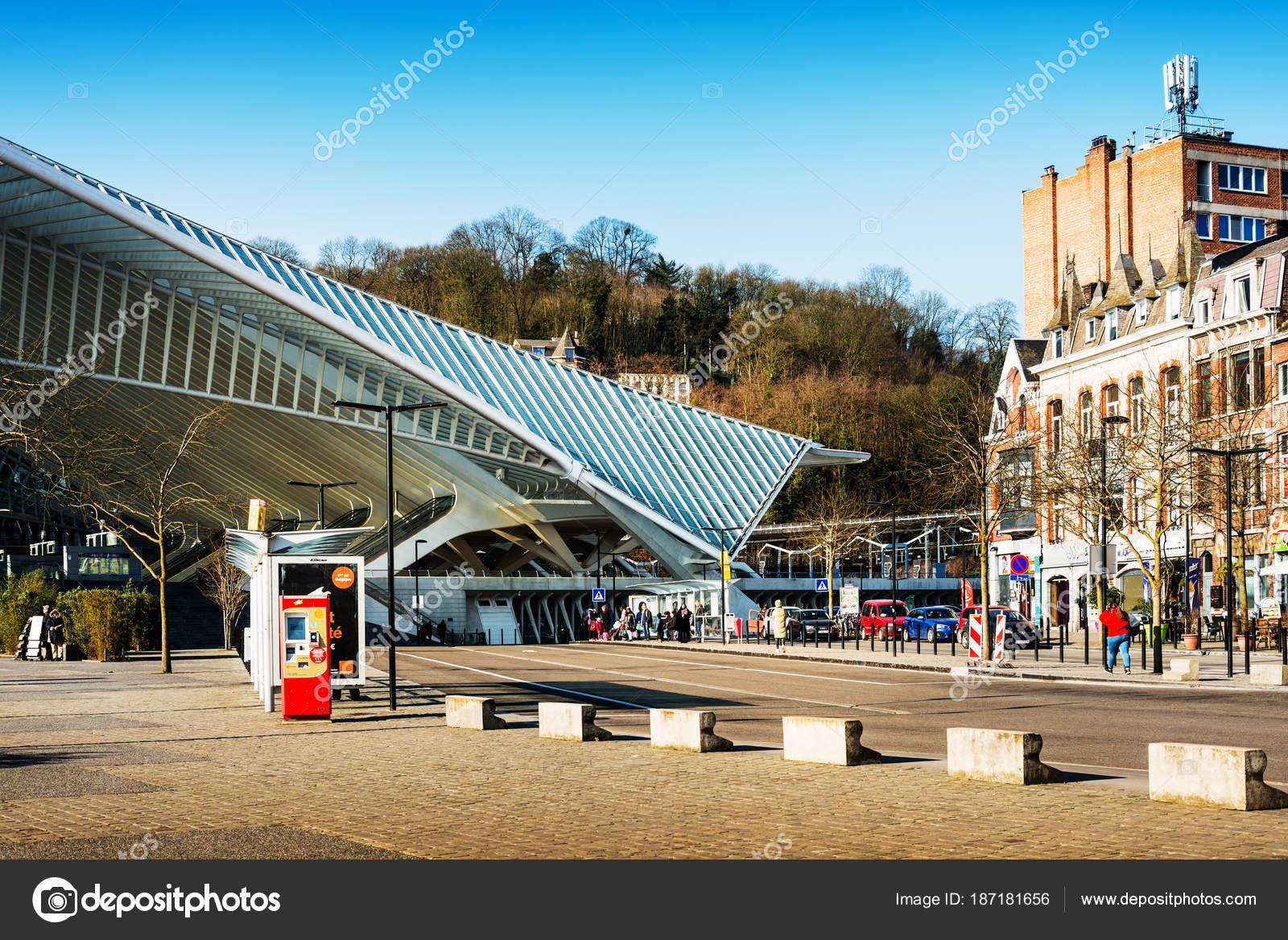 L ttich belgien februar 2018 ber hmte architektur bahnhof li ge guillemins redaktionelles - Beruhmte architektur ...