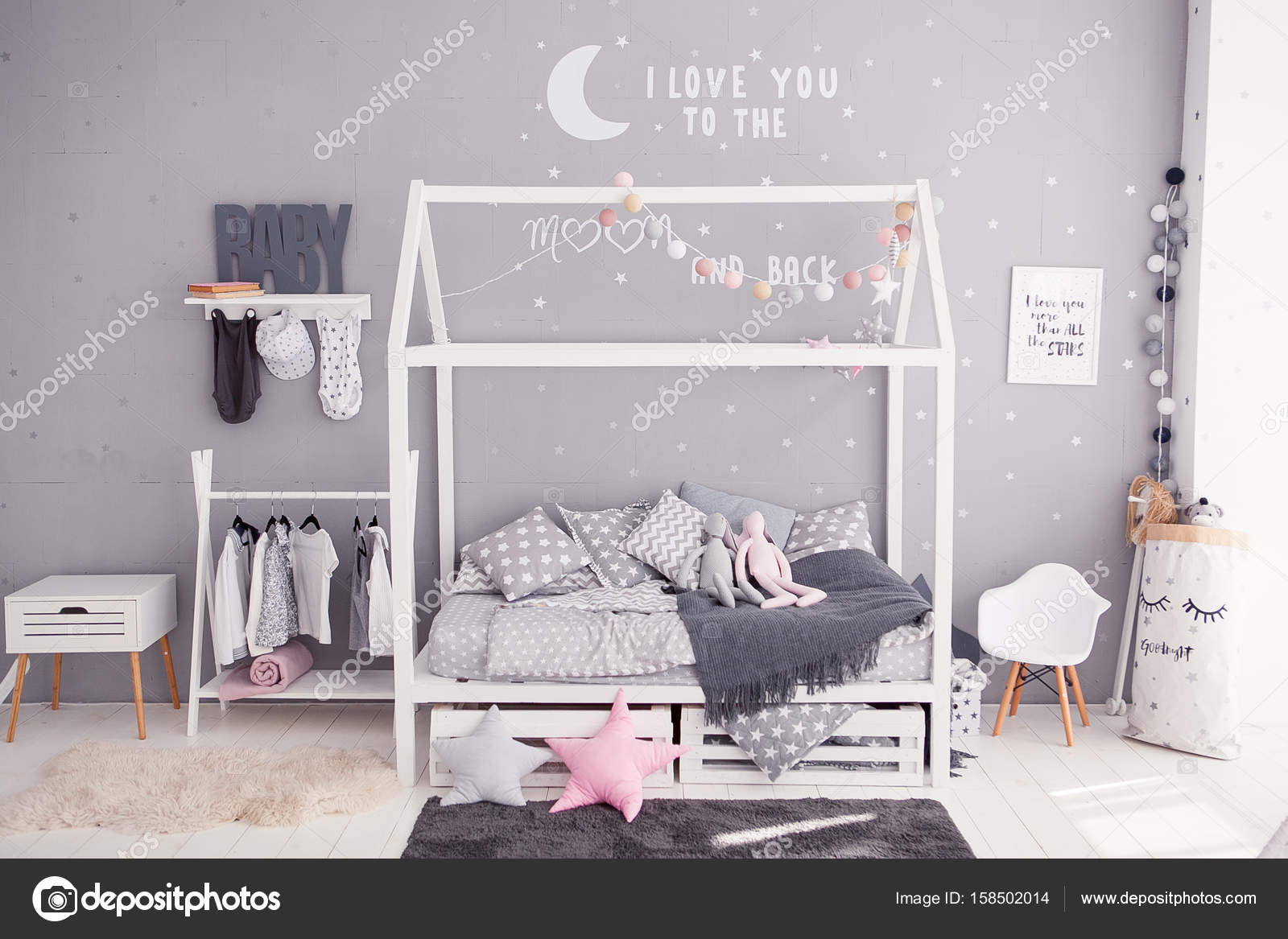 Camera da letto accogliente per bambini in stile scandinavo con ...