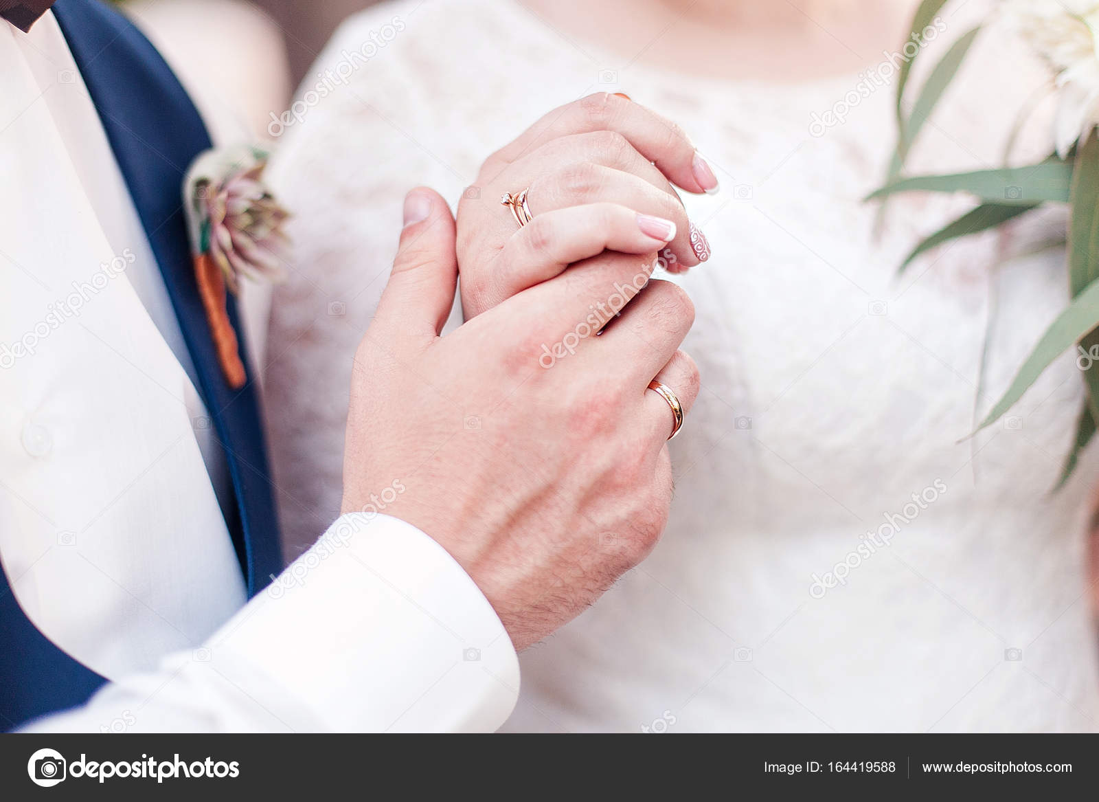 Wedding couple holding hands — Stock Photo © oksana_bondar #164419588