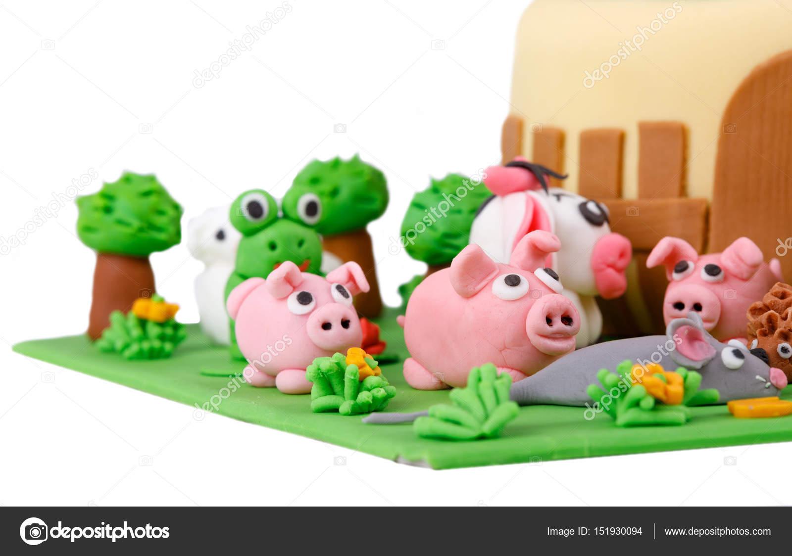 Pleasant Pictures Animal Birthday Cake Birthday Cake With Farm Marzipan Funny Birthday Cards Online Alyptdamsfinfo