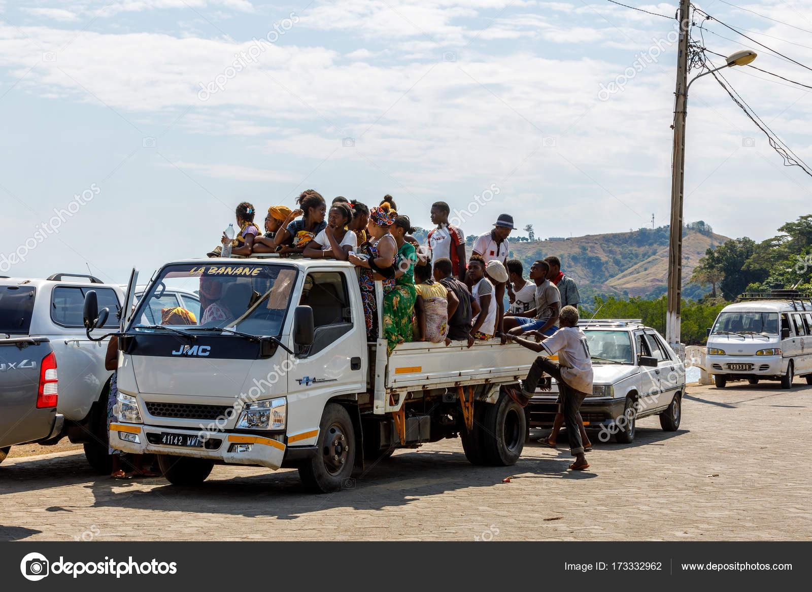 Resultado de imagen de El transporte en Madagascar e