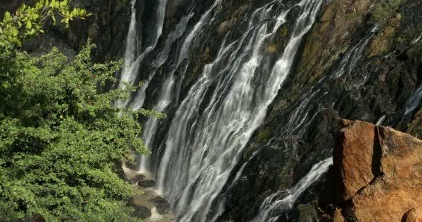 slavný Ruacana vodopády na řece Kunene, severní Namibie hranice, Afrika divoká krajina, Vodopád je plný vody po období dešťů.