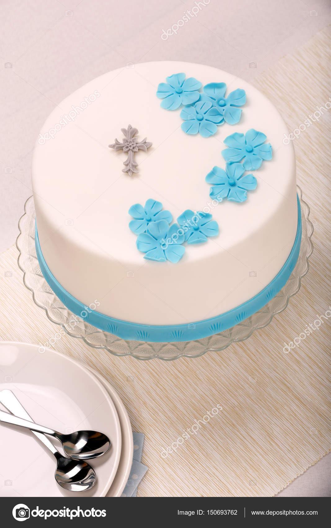 Erste Heilige Kommunion Kuchen Auf Dem Tisch Stockfoto C Wideonet