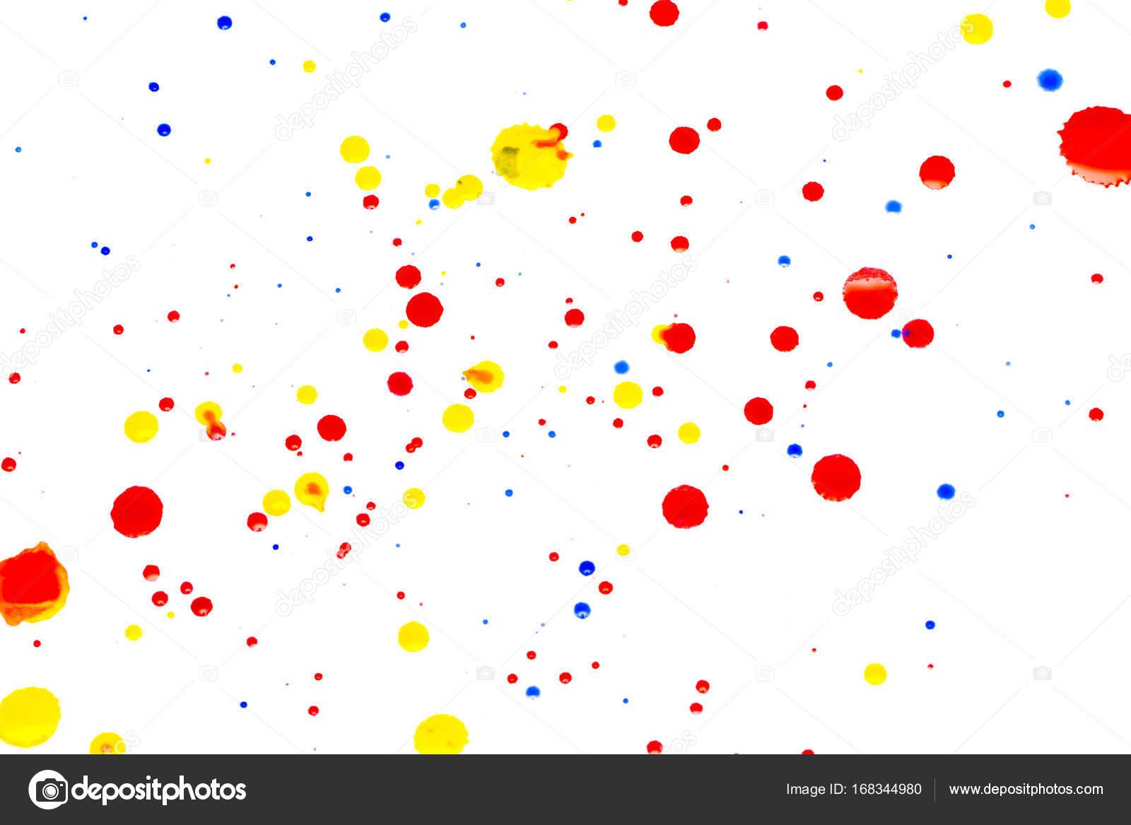 abstrakt rot aquarell auf weißem hintergrund. die farbe spritzen