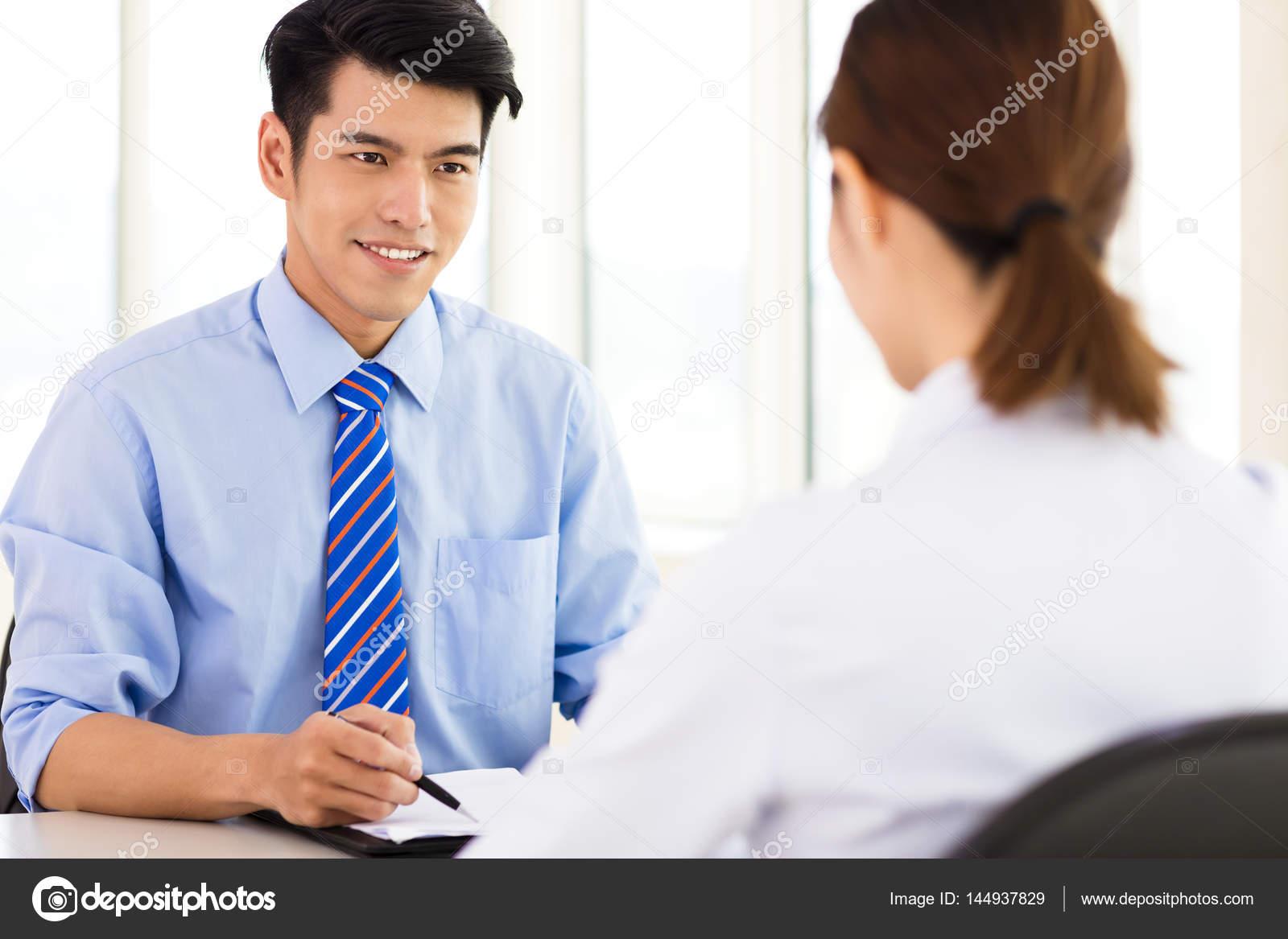 sollicitatiebrief controleren Recruiter controleren de kandidaat tijdens sollicitatiegesprek  sollicitatiebrief controleren