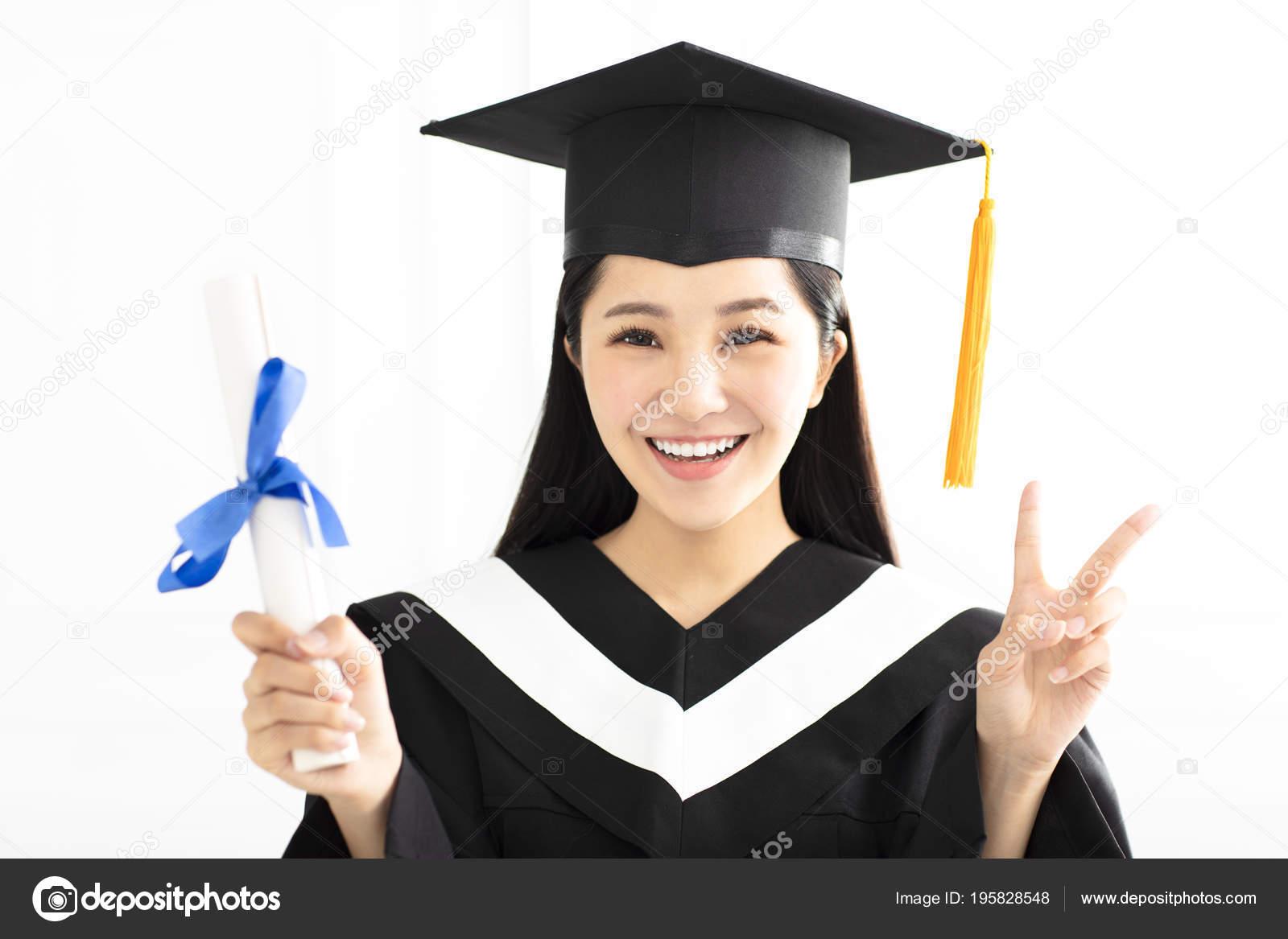 Glücklich Promotion Girl Cap Und Kleid Feiern — Stockfoto © tomwang ...