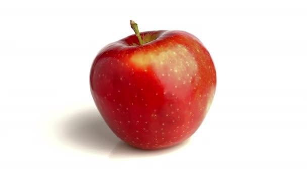 Červené jablko izolované na bílém pozadí