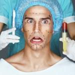 Depois de operação de raio laser um olho turvo