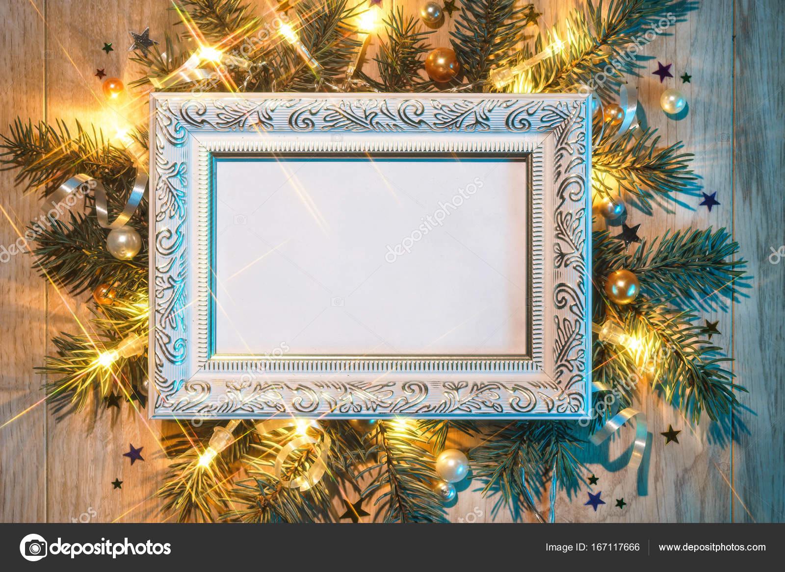 Weihnachten Tannenbaum mit weißem festliche Rahmen — Stockfoto ...