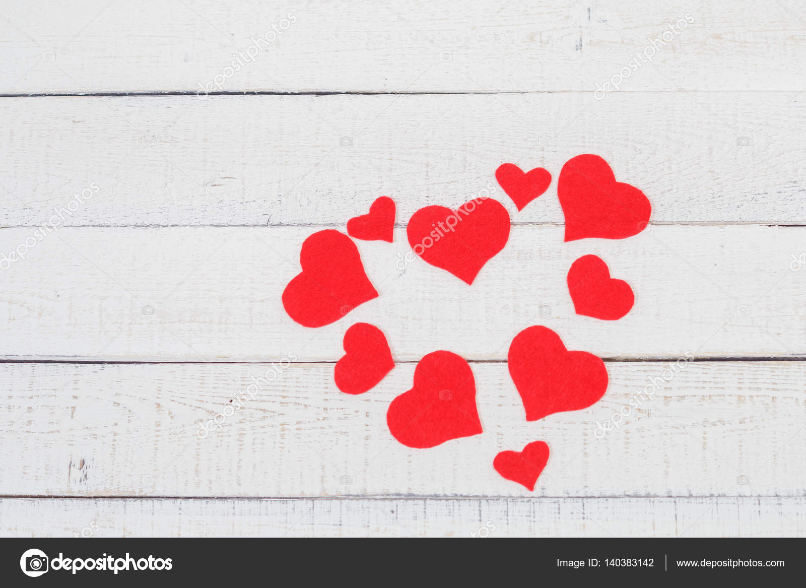 Valentinstag: Kontrast der roten und weißen Farben. Symbol reiner ...