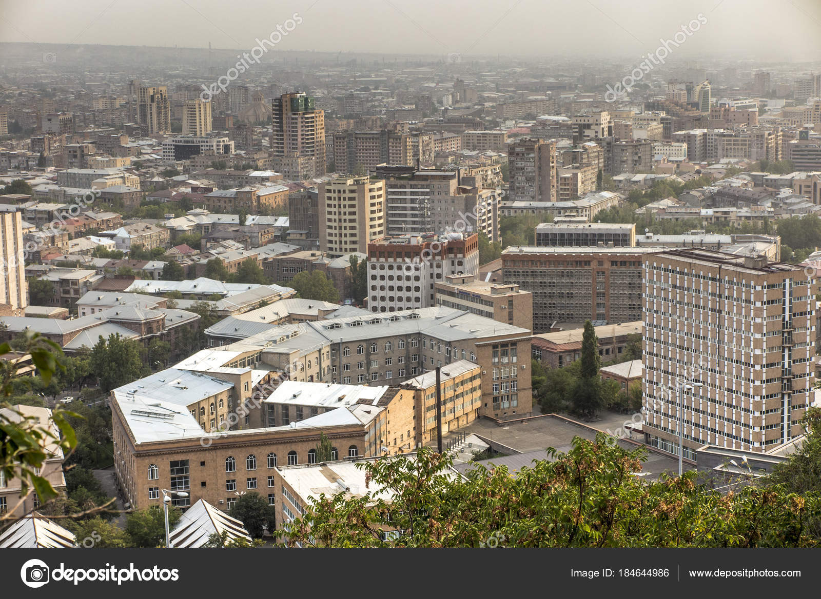 Blick Auf Eriwan Die Hauptstadt Von Armenien Stockfoto C Rparys 184644986