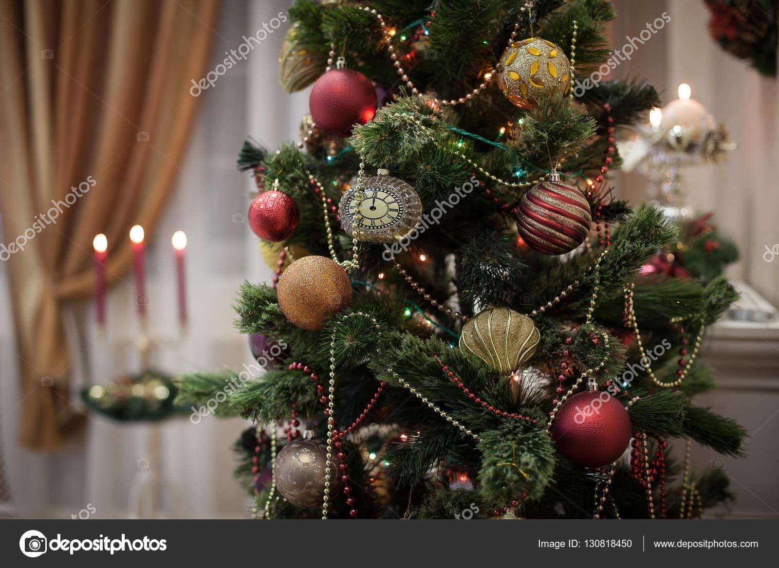Schmuck Für Weihnachtsbaum.Traditioneller Schmuck Der Weihnachtsbaum Stockfoto Favorekyiv