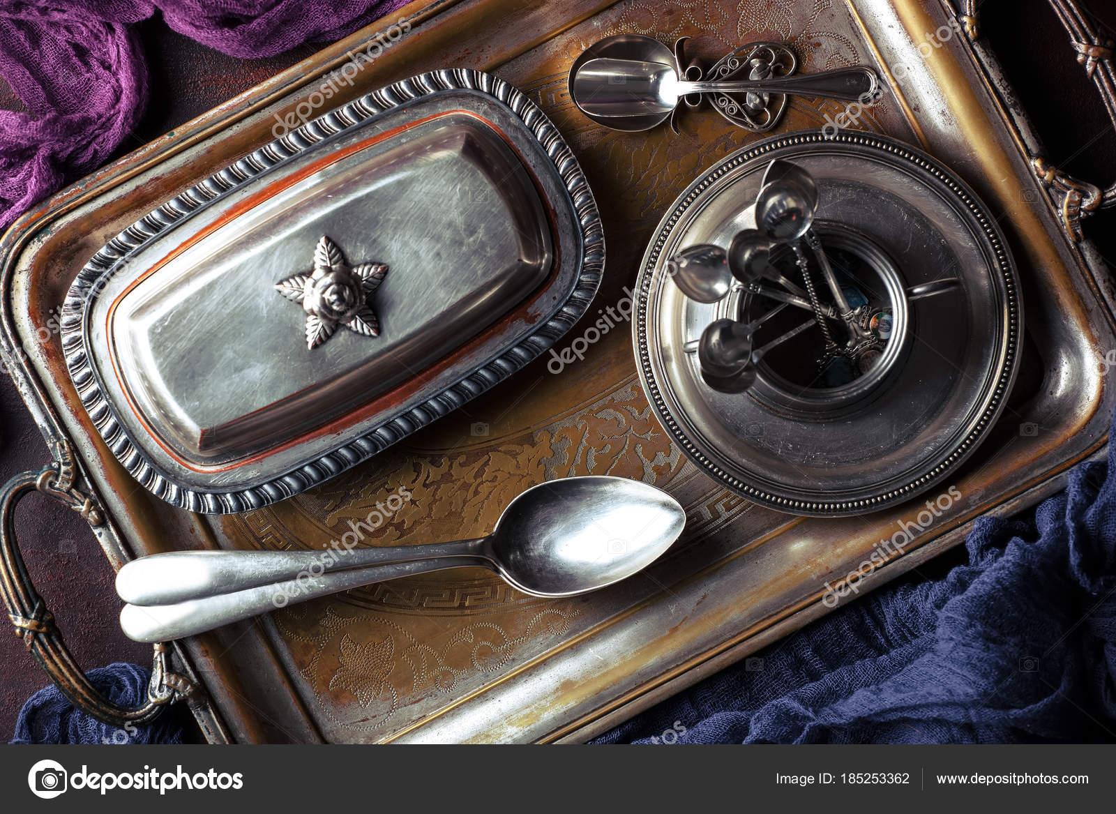 Altes Silbergeschirr Mit Kuchenzubehor Stockfoto C Vizafoto 185253362