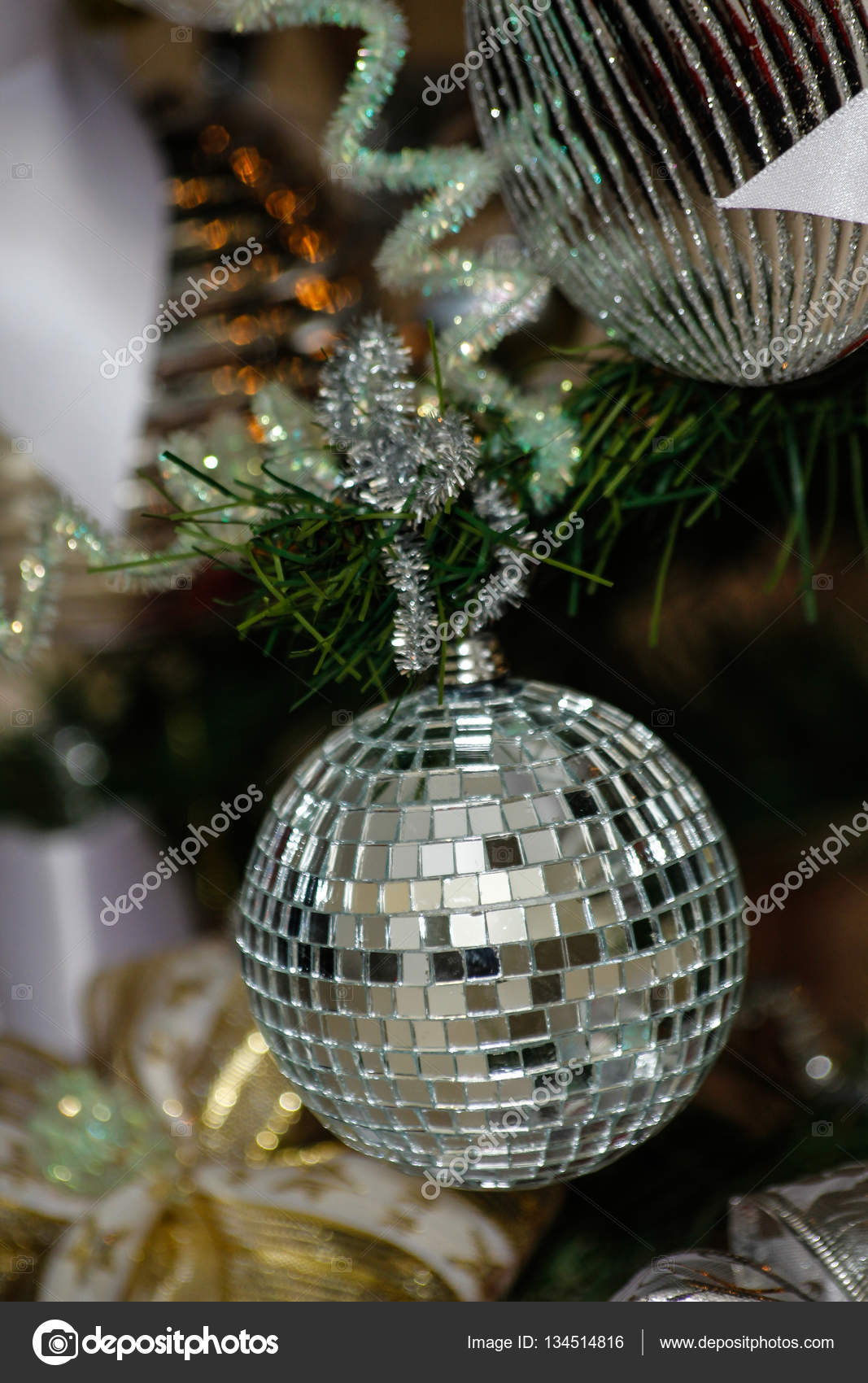 Silver and white Christmas tree decorations — Stock
