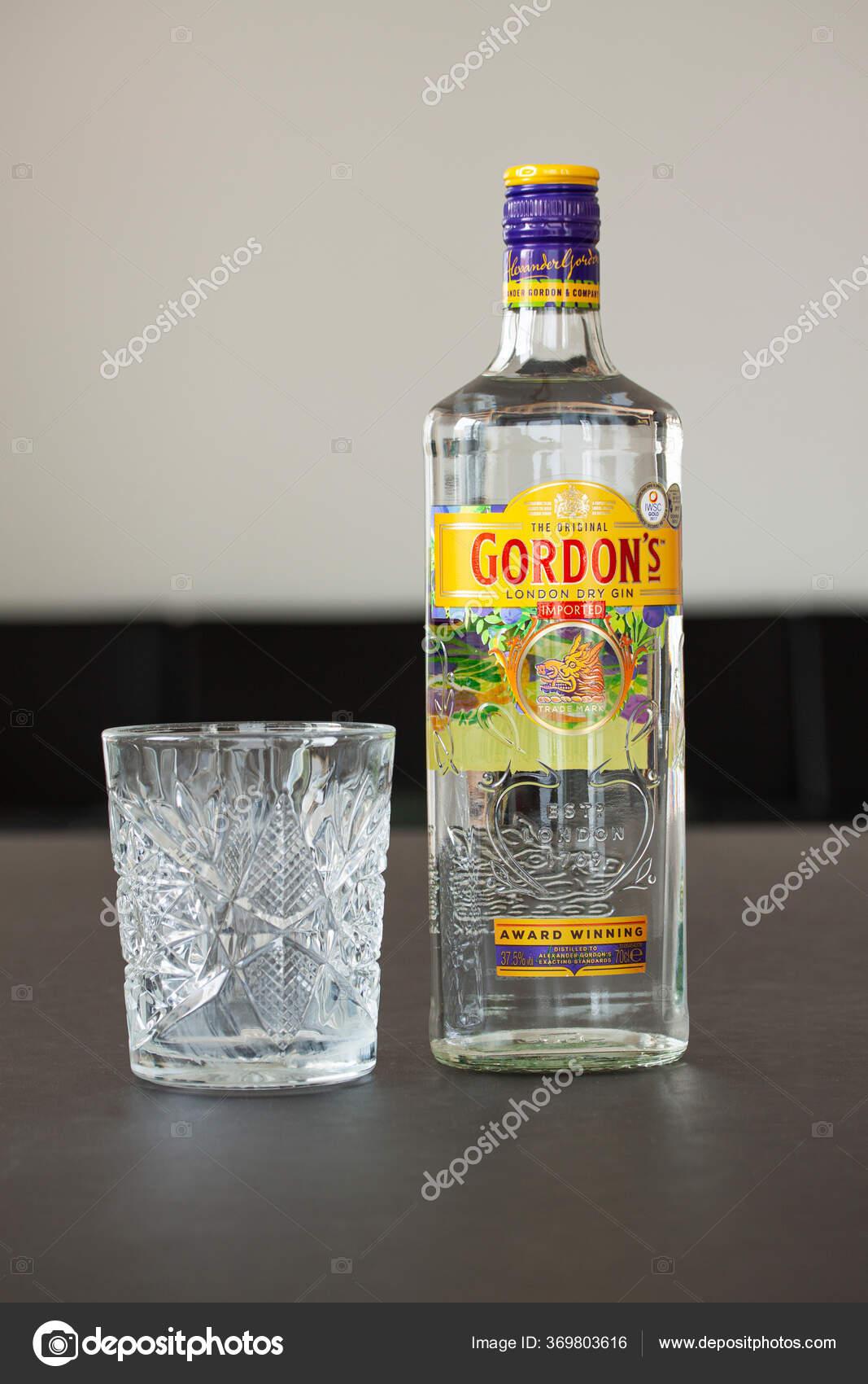 Bottle Gordon Gin Crystal Glass Table Gordon Brand World Best Stock Editorial Photo C Oleschwander 369803616