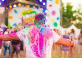 Guy slaví holi festival