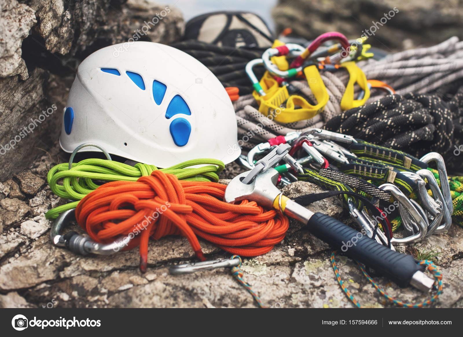 Kletterausrüstung Essen : Kletterausrüstung karabiner ohne kratzer hammer weißen helm