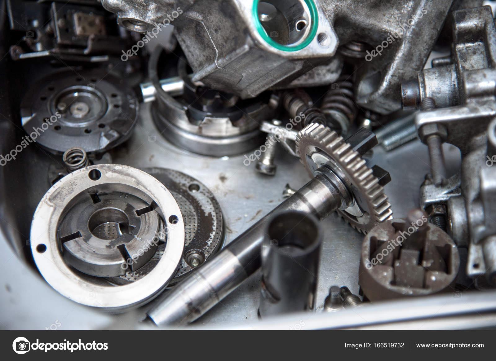Disassembled mechanical high-pressure diesel pump