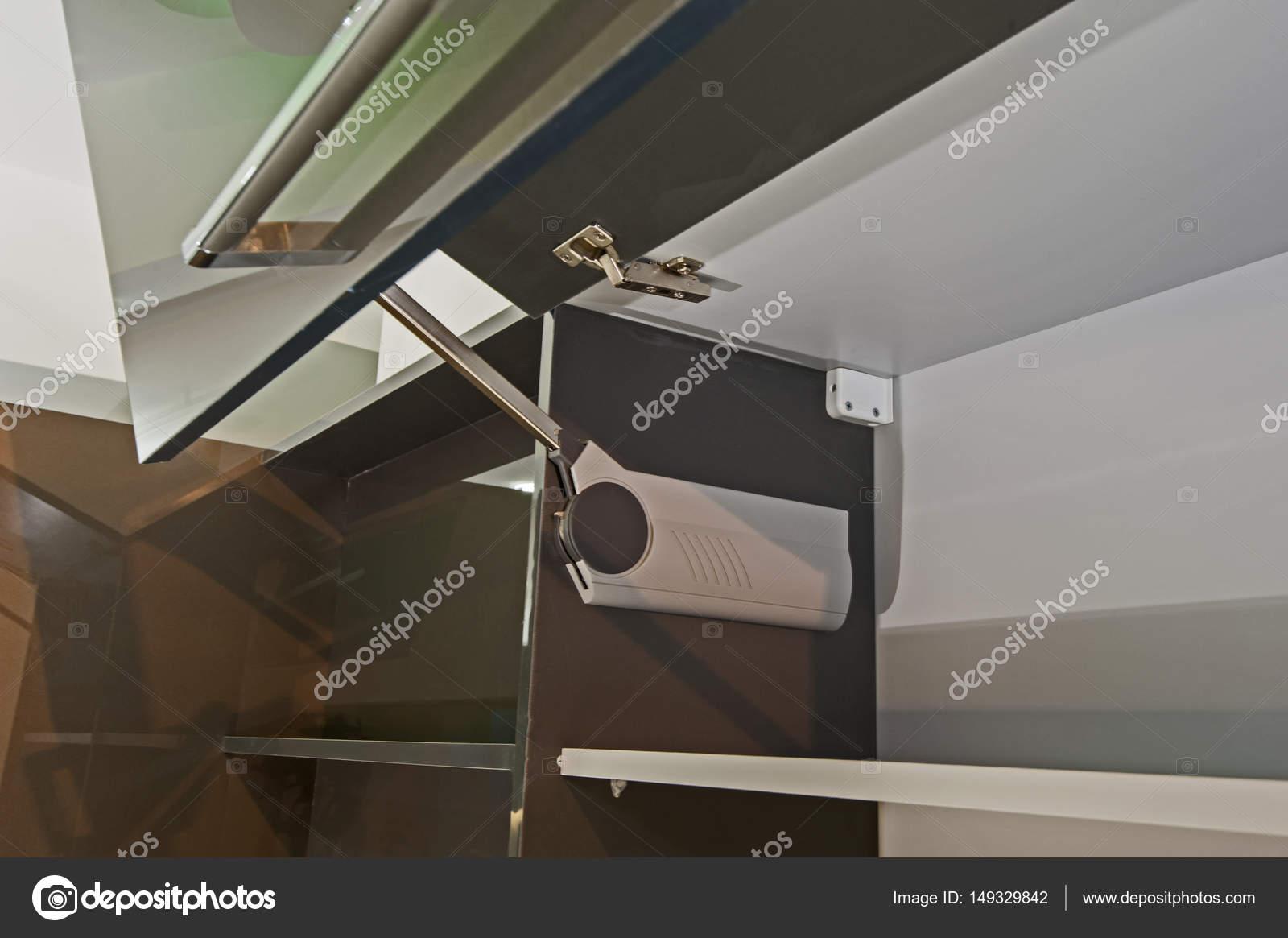 Closeup Details ein Scharnier auf Küchenschrank — Stockfoto ...