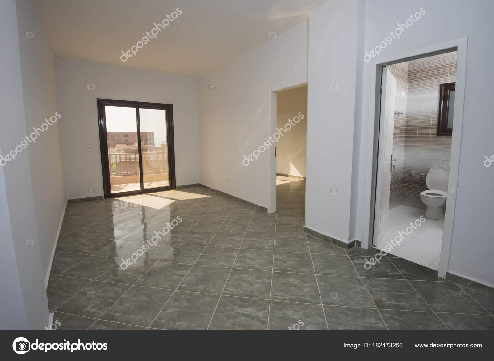 dcoration intrieure design de luxe moderne voir inachev vide la maison appartement image de paulvinten