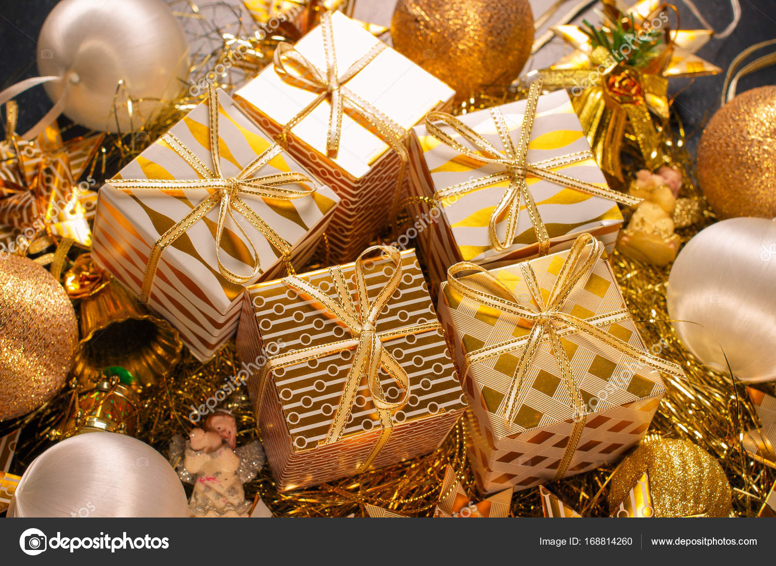 Luxury Gold Themed Holiday Greeting Card with Gift Boxes — Stock ...