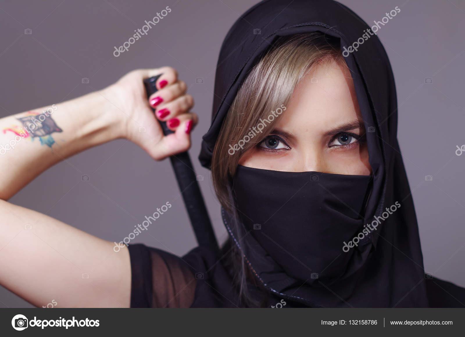 Chica negro semen en la cara